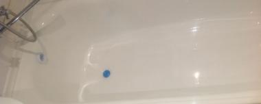 Щели между ванной и стеной